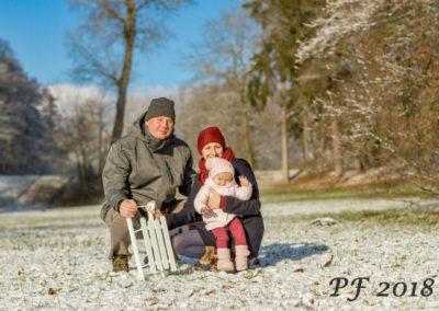 Portrétní fotografie rodina - focení na PF 2018 v zámeckém parku Pacov