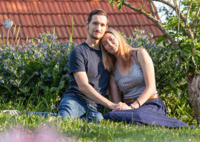 Portrétní fotografie v zahradě - Hanička a Jirka
